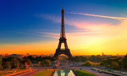 Eiffel Tower Skip the Ticket Line Summit & Sainte Chapelle & Cruise